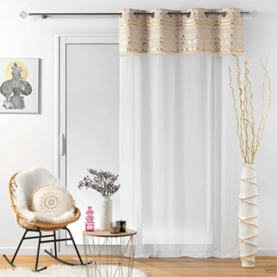 Luxusní bílá záclona