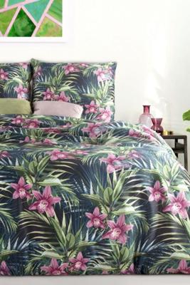posteľné obliečky s kvetinovým vzorom