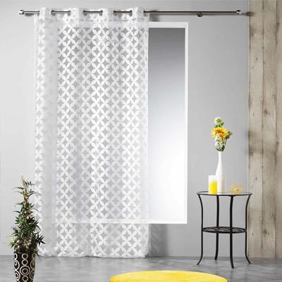 Vzorovaná záclona