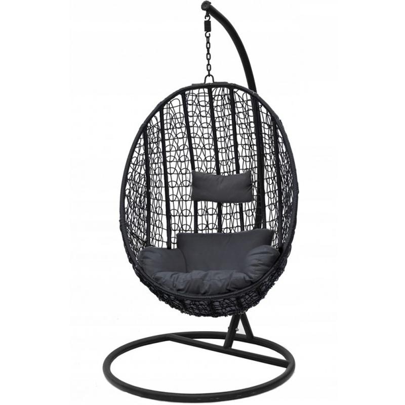 Fekete függesztett szék a kertbe