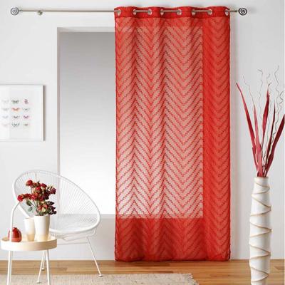 Červená záclona